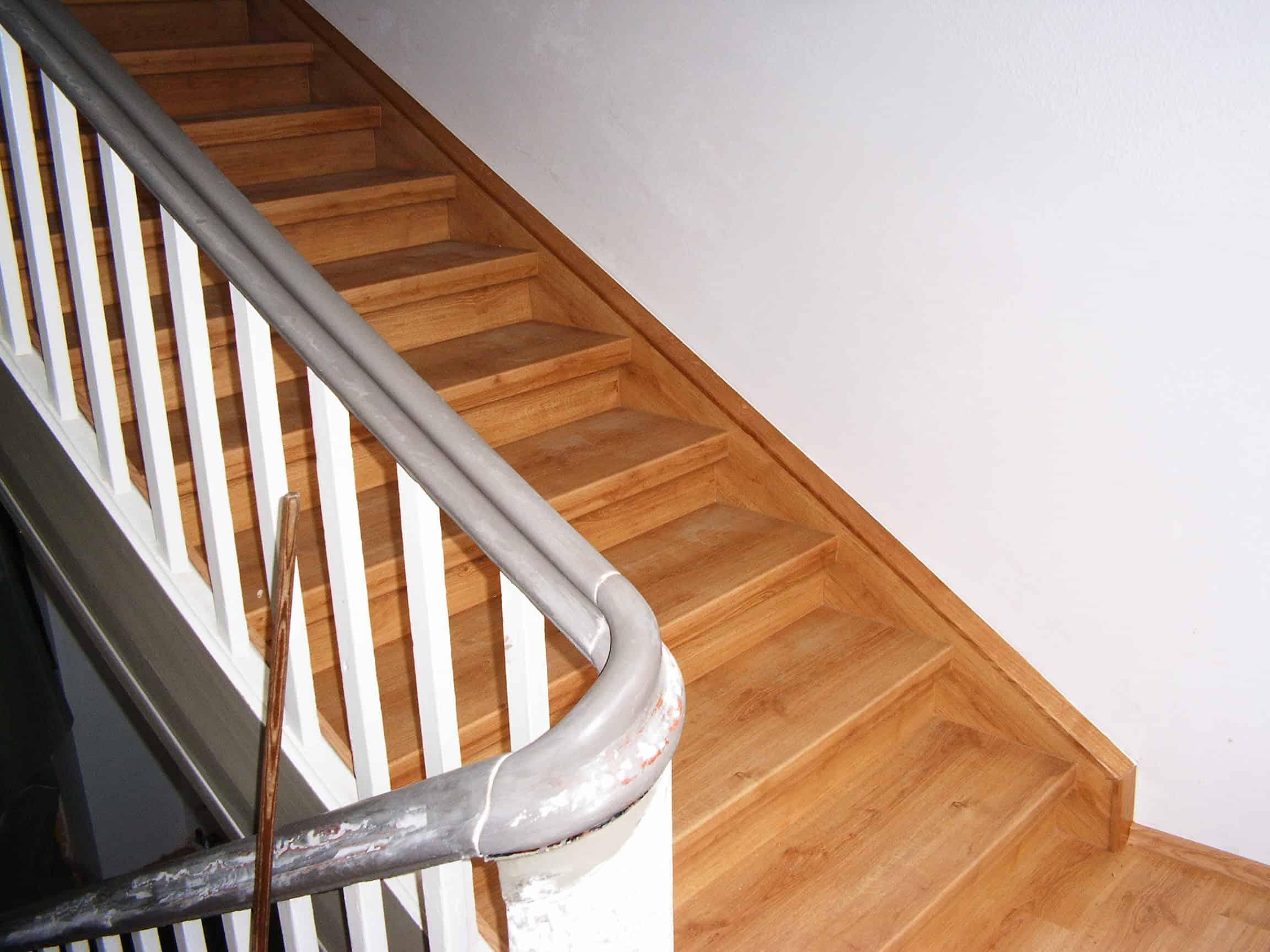 eiken trap gerenoveerd