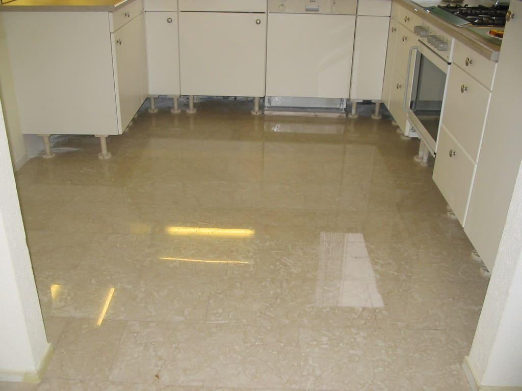 botticino vloer in de keuken