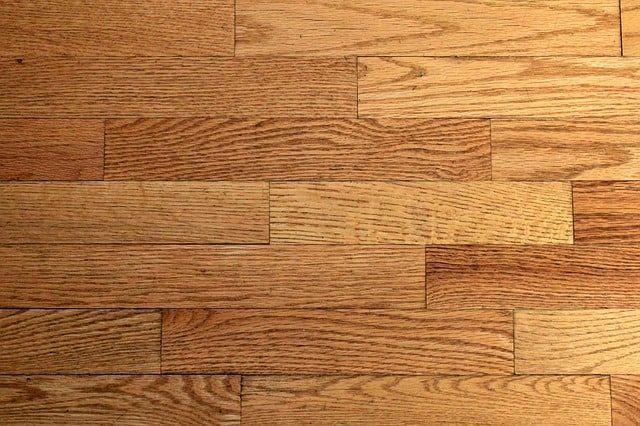 Eiken vloer behandelen: zelf doen of uitbesteden? floortec