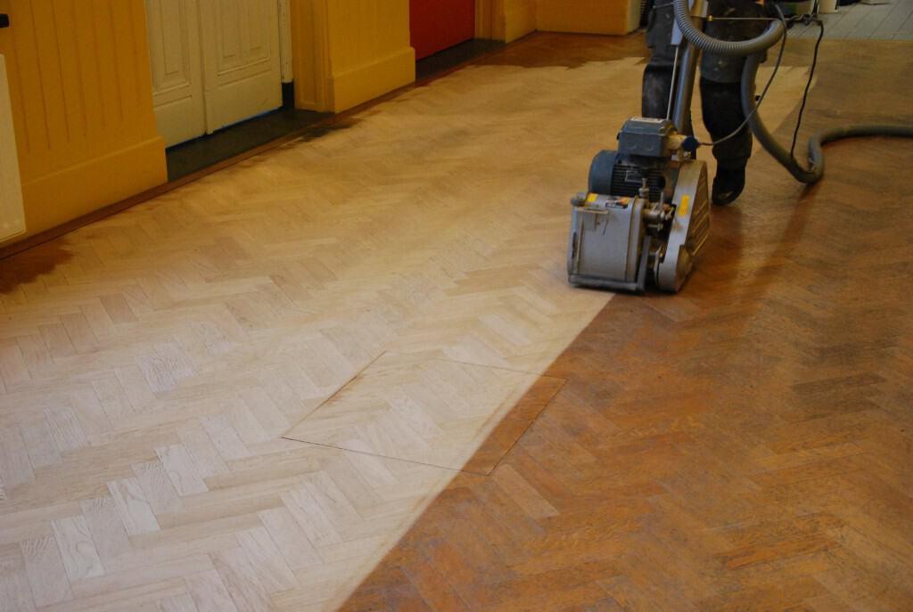 Onderhoud houten vloer wij behandelen en onderhouden uw vloer